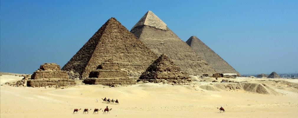 Kamele en Pyramiden