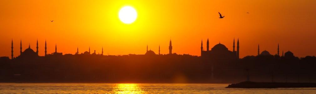 Untergehende Sonne über Istanbul